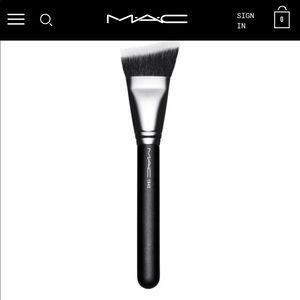 Mac cosmetics #164 angled contour brush